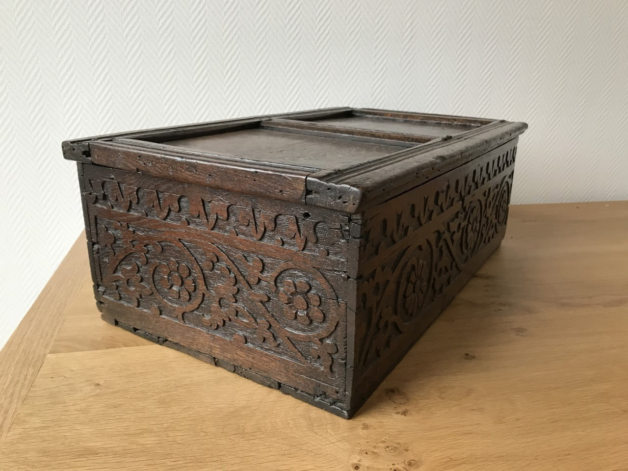 Table box [KI41] Image