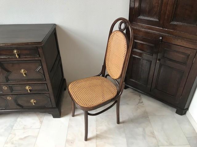Thonet stoelen [ST64] Image