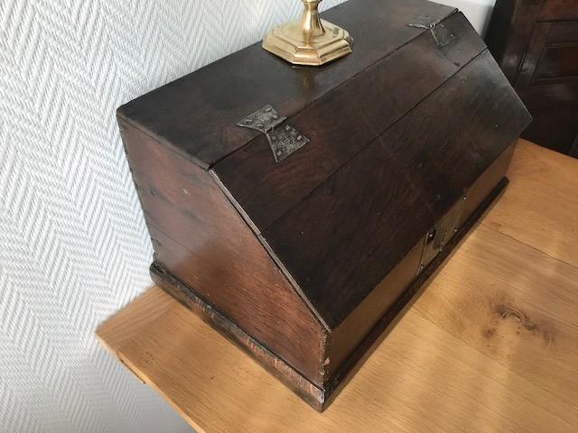 Boarded desk-Box [KI68] Image